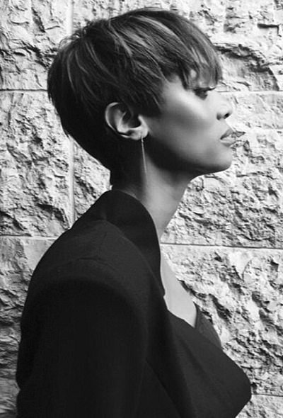 Tyra Banks pixie cut profile