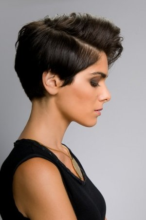 low side parted short hair