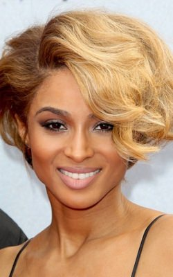 ciara-blonde-fashion-style