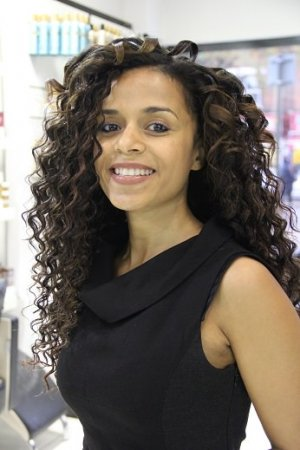 curly weaves for afro hair, top hair salon for black women in edmonton, north london